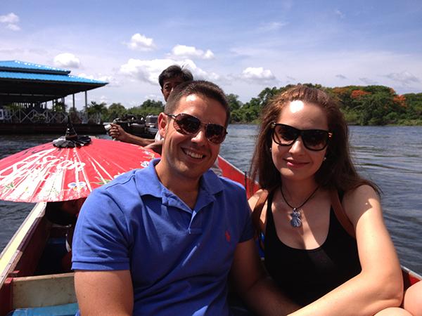 Barquita en río Kwai