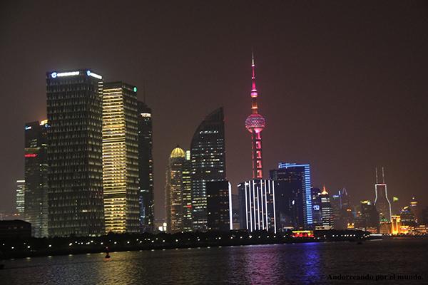 Edificios iluminados Shanghai