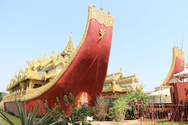 Barco Real Yangon-Andorreando por el Mundo.