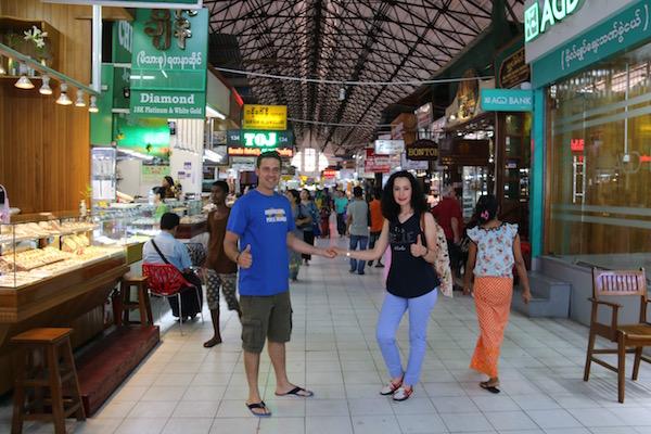 Mercado Bogyoke-Andorreando por el Mundo