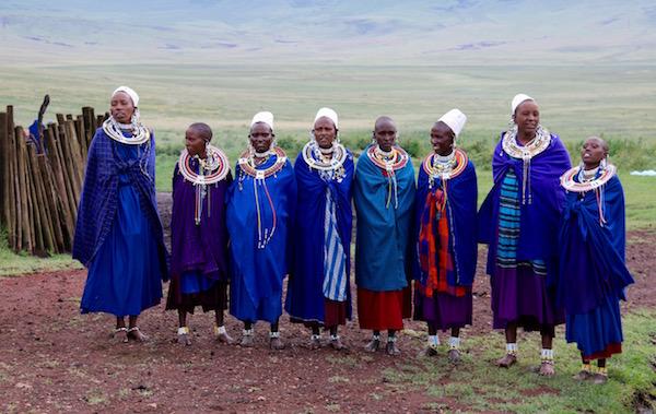 Mujeres Tribu Maasai-Andorreando por el Mundo