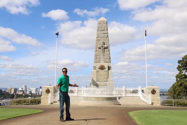 Obelisco Memorial Perth-Andorreando por el Mundo