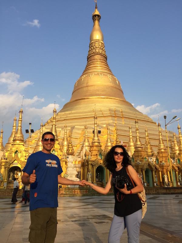 Pagoda Shwedagon-Andorreando por el Mundo