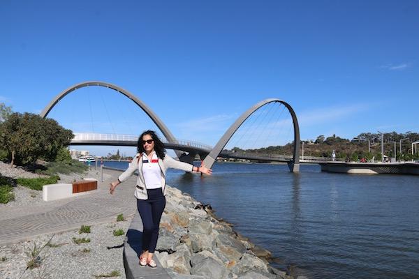 Puente Elisabeth Quay-Andorreando por el Mundo