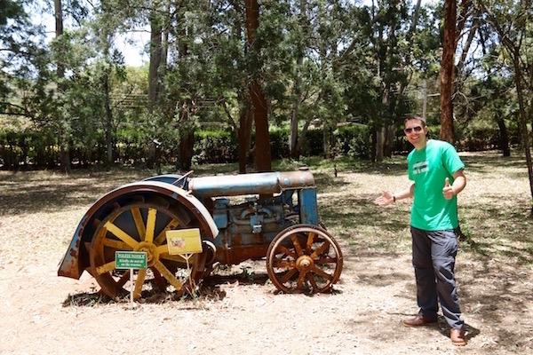 Tractor Modelo F Museo Karen-Andorreando por el Mundo