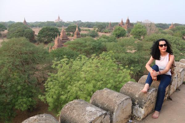 Vistas Templo Shwe Sandaw-Andorreando por el Mundo