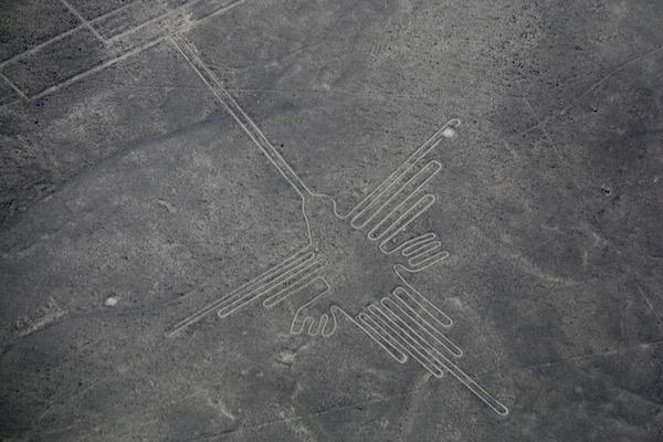 Colibrí Líneas Nazcas-Andorreando por el Mundo