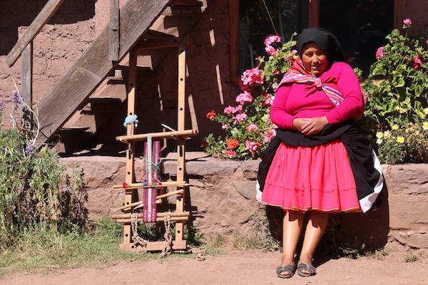 Mujer Isla Taquile