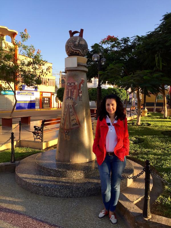 Plaza Armas Nazca-Andorreando por el Mundo