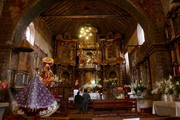 Interior Iglesia Monserrat