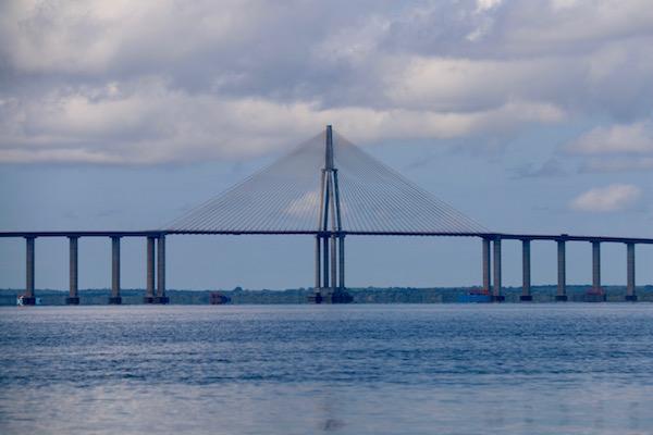 Puente Río Negro