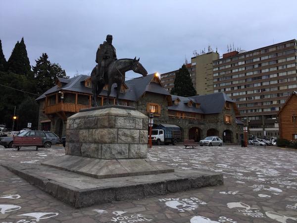Estatua Juli A. Roca