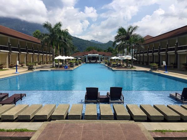 Piscina hotel Sherinda Beach Resort