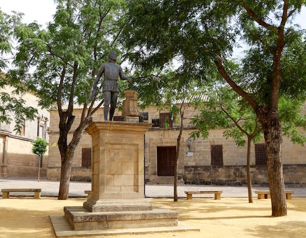 Escultura Andrés Vandelvira