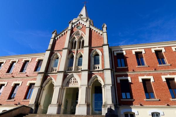 Fachada Hospital Marqueses Linares