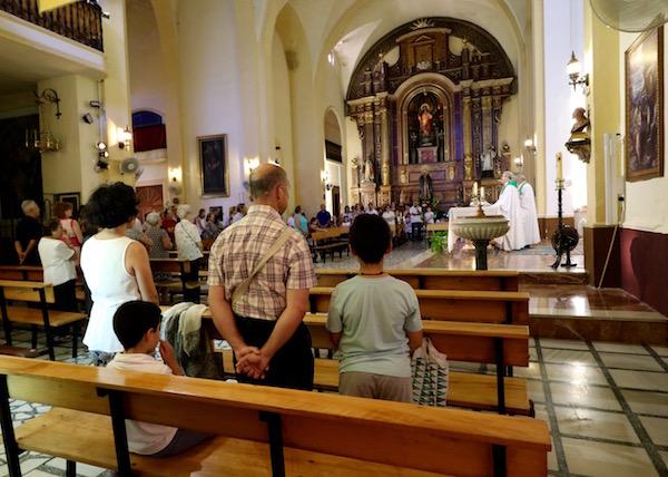 Interior parroquia del Sagrado Corazón de Jesús