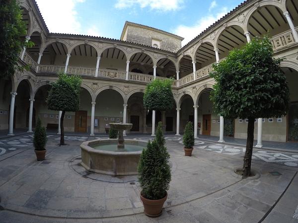 Patio Palacio Jabalquinto