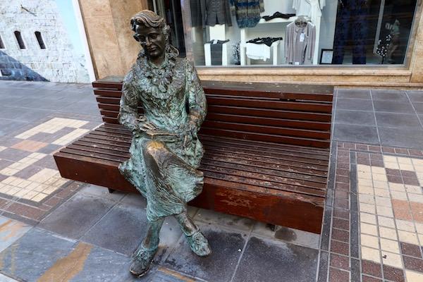 escultura de Carmen Conde