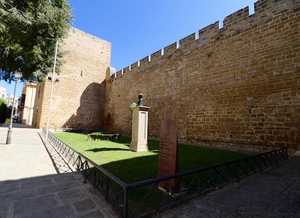 Torreón y Portillo del Santo Cristo
