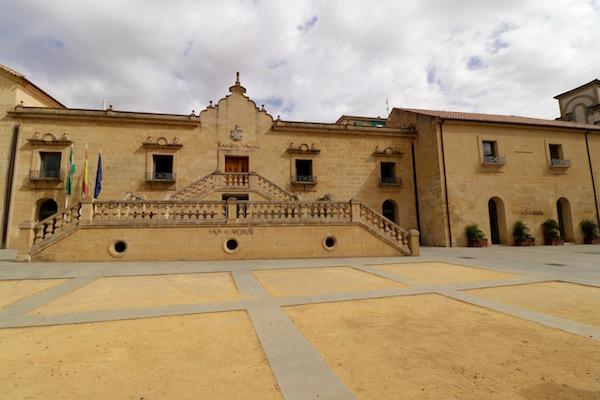 Biblioteca y Archivo Municipal
