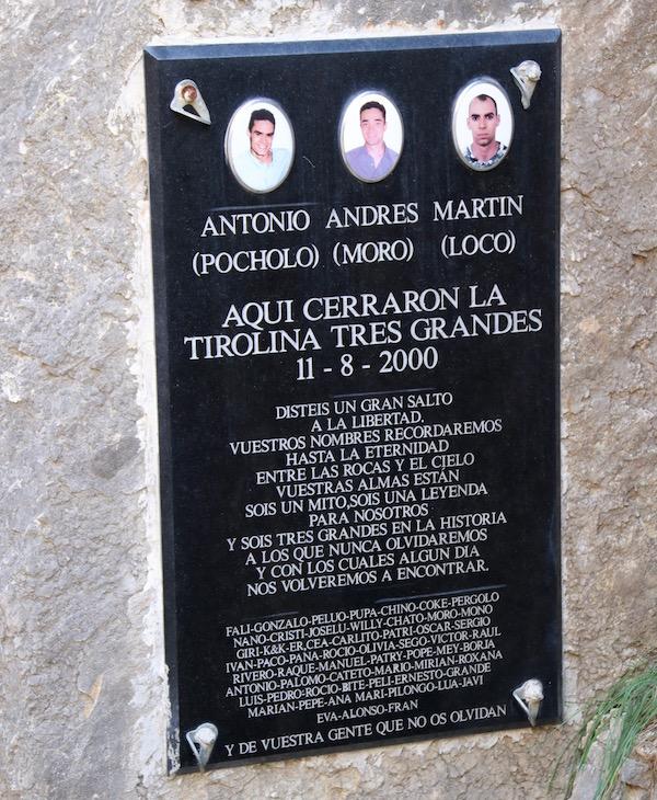 Lápida fallecidos