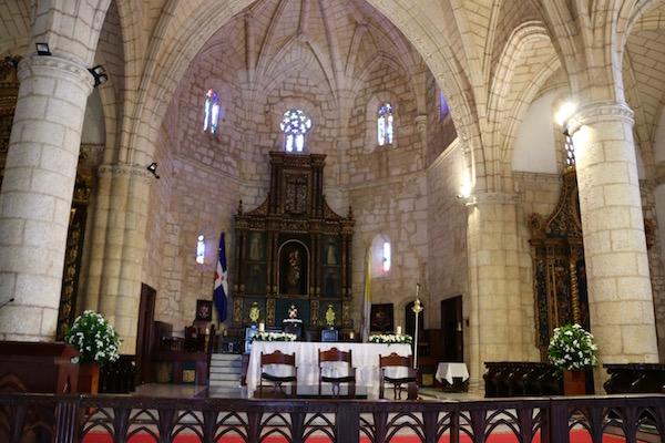 Altar catedral y basílica de Santa María de la Encarnación