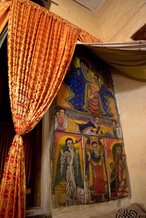 Decoración iglesia vieja de Santa María de Sion