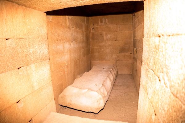 La tumba de la Puerta Falsa,