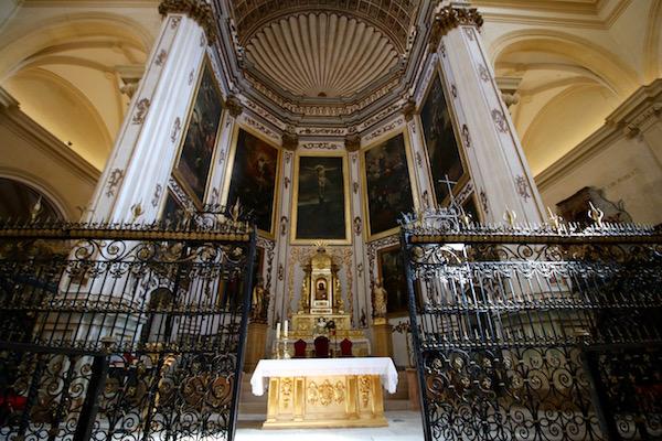 Altar mayor Excolegiata de San Patricio