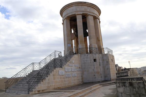 Campana Memorial de Asedio de Malta.