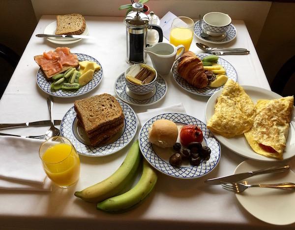 Desayuno Hotel The Phoenicia