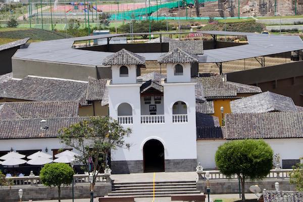 Capilla Colonial+Plaza de Toros.