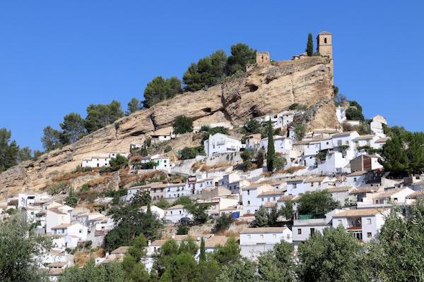 Fortaleza Árabe y Iglesia de la Villa.